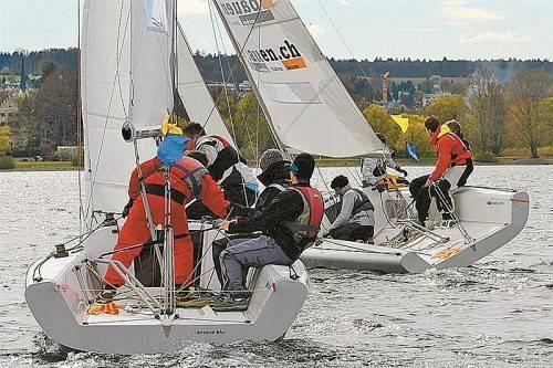 Heiße Kämpfe beim Matchrace der Junioren-EM auf dem Bodensee vor Konstanz. Foto: Jugend Regatta Förderverein, Claudia Somm
