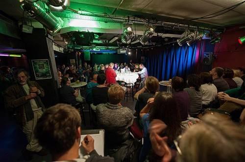 Heute ist im Vismut letzte Gelegenheit, Fragen zur NR-Wahl am Sonntag zu formulieren. Foto: Beate Rhomberg