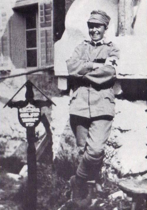 Hollenstein als Mann verkleidet in der k.u.k.-Armee. Foto: archiv