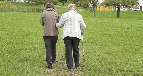 """Im """"Cafè Herbstlicht"""" sind auch Demenzpatienten mit ihren Angehörigen herzlich willkommen."""