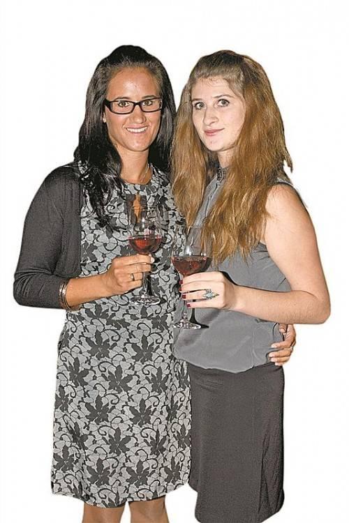Janine Gozzi (l.) und Katharina Riegler.