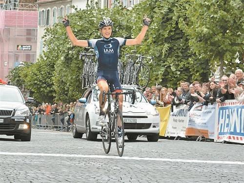 "Kam solo in Porrentruy im Ziel an: Matthias Brändle gewann das Eintagesrennen ""Tour du Jura"". Foto: IAM Cycling"