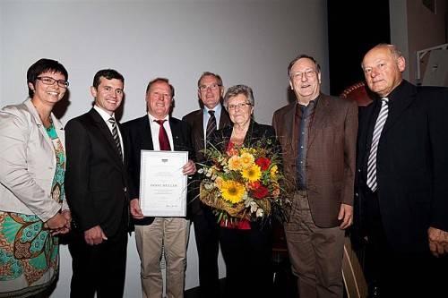 Katharina Wöß-Krall und Martin Summer mit Ernst und Helga Müller sowie Altbürgermeister Hans Kohler, Pfarrer Wilfried Blum und Egon Blum.