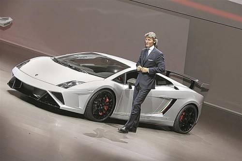Lamborghini-Chef Stephan Winkelmann bei der Präsentation des neuen Top-Modells der Gallardo-Baureihe.