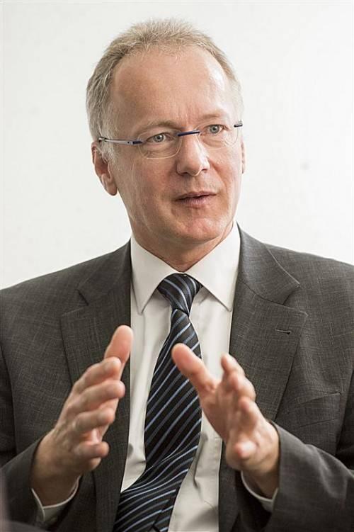 """Landespolizeidirektor Hans-Peter Ludescher spricht von einer """"stabilen Sicherheitslage"""". Foto: VN/STIPLOVSEK"""