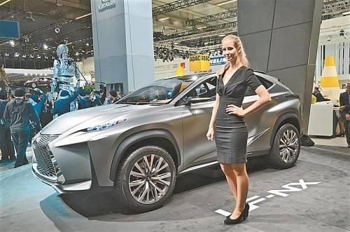 Lexus zeigt in Frankfurt als Weltpremiere die Studie eines kompakten SUV, den LF-NX.