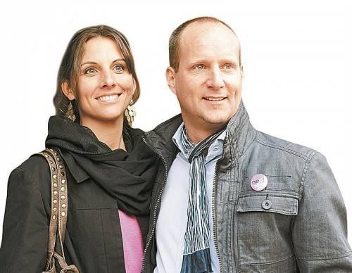 Matthias Strolz mit Ehefrau Irene: Yoga und Saxophon spielen zählen zu den Hobbys. Foto: APA