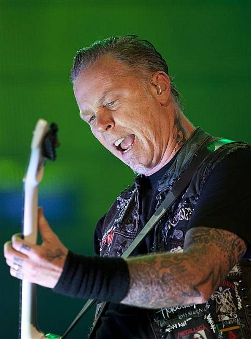 Metallica-Frontmann James Hetfield hatte sich lange in Drogen und Alkohol geflüchtet. Foto: ap