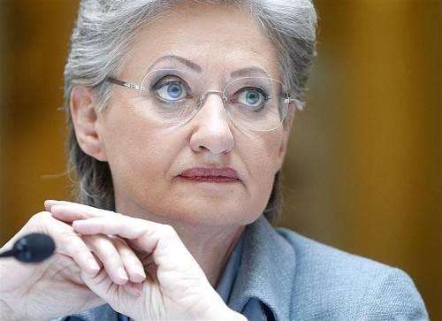 Ministerin Schmied in der Kritik der Landeshauptleute.