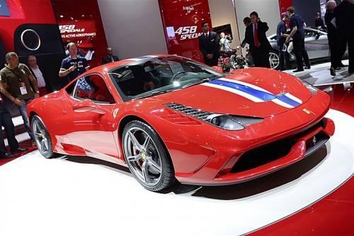 Neuer Ferrari mit mächtigen 605 PS Leistung.