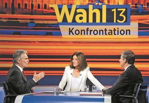 ORF-Moderatorin Ingrid Thurnher mit Faymann (l.) und Spindelegger: Die beiden duzten einander zwar, wurden im Laufe der Zeit aber untergriffig. Foto: APA
