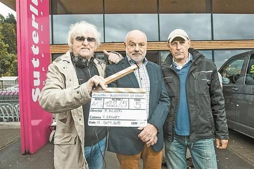 Reinhold Bilgeri mit Hauptdarsteller Wolfgang Böck und Kameramann Tomas Erhart. Fotos: VN/Steurer