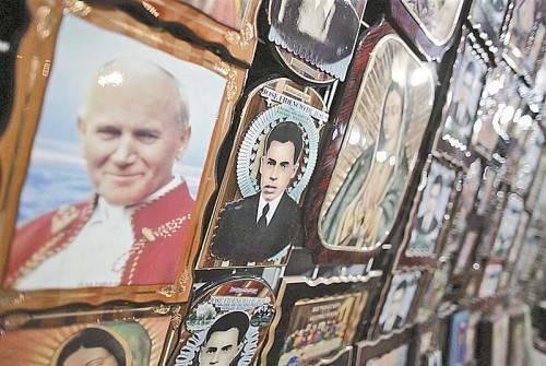 Schnellverfahren für Papst Johannes Paul II.: Nur neun Jahre nach seinem Tod wird er nun heilig gesprochen. Foto: Reuters