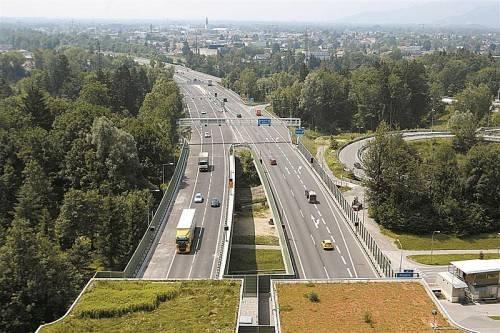 Seit Eröffnung der zweiten Pfänderröhre sei die Verkehrsbelastung in Lindau größer denn je, sagt VN-Leser Hans Last. Foto: VN/Hartinger