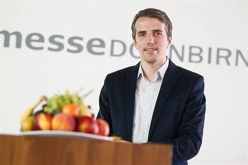 Sind das die Früchte, die ihm bei erfolgreichen Innovationen versprochen sind? Ab Oktober ist Daniel Mutschlechner Messe-Chef. Foto: VN/Steurer