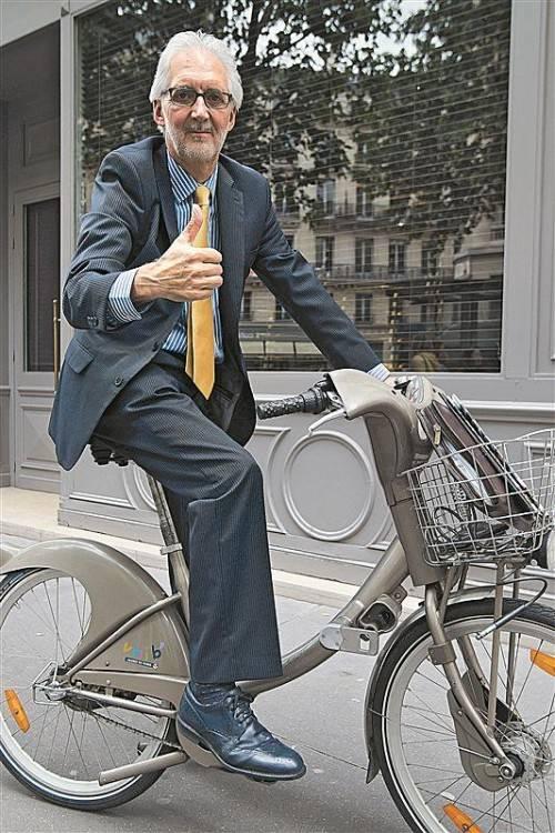 Sitzt beim Radsport-Weltverband im Sattel: Brian Cookson. Foto: ap
