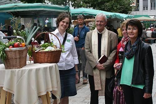Spendenaktion beim Erntedankfest.