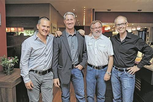 Thomas Zerlauth (Vital Plus), Dr. Wolfgang Laube, Andrew Mixson (Vital Plus) und Manfred Scheel (Life Fitness Wellness, v. l.).