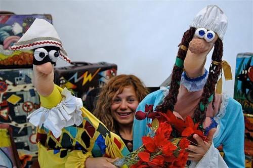 Verónica González präsentiert Kleinsttheater voller Poesie und Fantasie. foto: caravan