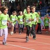 Kinder laufen in Satteins für einen guten Zweck