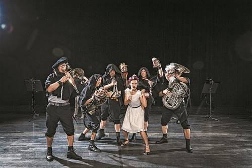"""Vorarlberger Ensemble Sonus Brass begeistert mit der Uraufführung der Kinderoper """"Robin Hood"""" beim Luzern Festival. Foto: Hämmerle"""