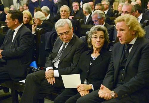 """Zahlreiche prominente Redner und Trauergäste nahmen Abschied vom """"Literaturpapst"""", der vor einer Woche im Alter von 93 Jahren gestorben war."""