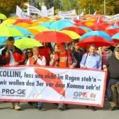 Mit Regenschirmen für besseren KV-Abschluss