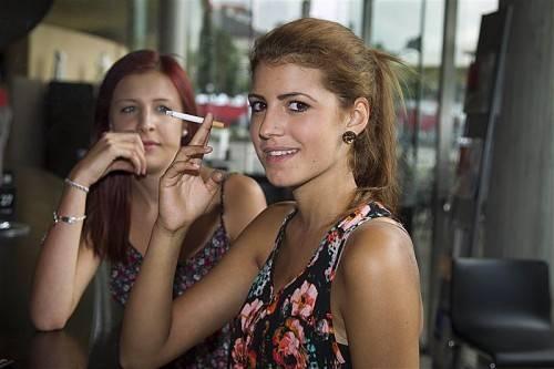 In Vorarlberg können Nichtraucher und Raucher gut miteinander. Ein Rauchverbot in Gaststätten wäre aber gern gesehen.  Foto: VN/RP