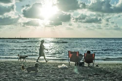 Am Strand von Tel Aviv. Foto: EPA
