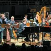 Die Toten Hosen erinnern gemeinsam mit einem Sinfonieorchester an den Nazi-Terror