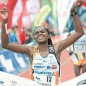 Kenianische Festspiele beim Sparkasse Marathon