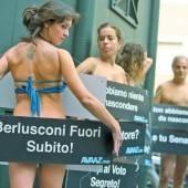 Mit nackter Haut gegen Berlusconi