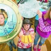 Volksschüler auf den Spuren der Münzproduktion