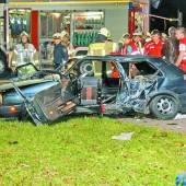 Folgenschwerer Unfall in Altach 19-Jähriger starb noch im Autowrack /B1