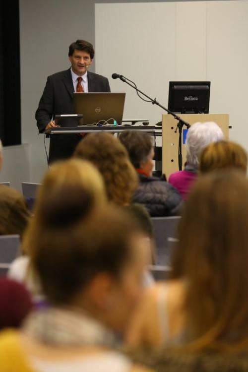 OA Dr. Werner Müller vom LKH Bregenz ist ein ausgewiesener Experte auf dem Gebiet der Laparoskopie. Foto: VN/Hofmeister