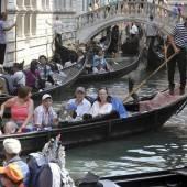 Gondolieri protestieren gegen Verkehrschaos