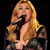 Kelly Clarkson unter der Haube