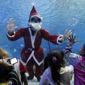 Weihnachtsmann auf Tauchstation