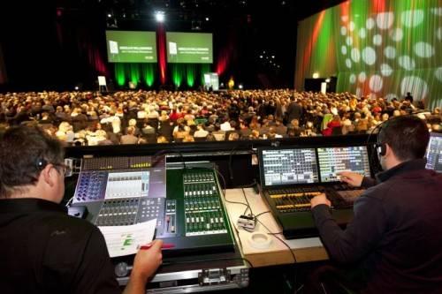 Bregenz am 12.11.2013, WKV Wirtschaftskammer Vorarlberg Bildungsreform, Referate Praesident Manfred Rein, Jutta M. Wimmer,