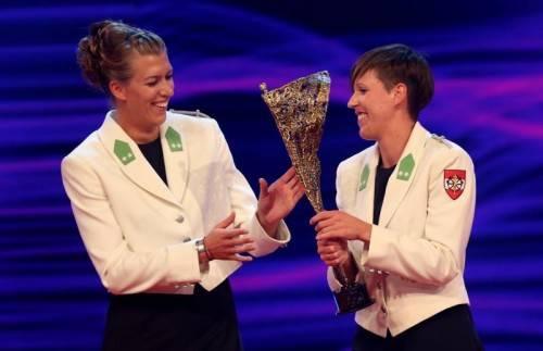 Das siegreiche Beachvolleyball-Duo Stefanie Schwaiger und Doris Schwaiger.