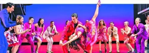 """Der Broadway-Klassiker """"West Side Story"""" sorgt mit der international gefeierten Inszenierung von Joey McKneely für ausverkaufte Häuser. Im Februar 2014 wird das Musical mit 36 Darstellern und 80 Beteiligten erstmals auch in Bregenz gezeigt. FotoS: BB Promotion"""