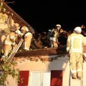 Dach beim Flämmen in Brand geraten