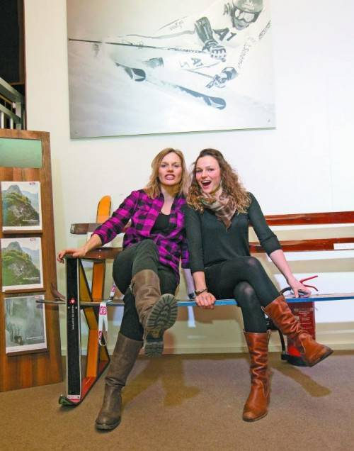 Die Schwestern Marlies und Bernadette Schild möchten gemeinsam aufs Stockerl fahren. Foto: apa