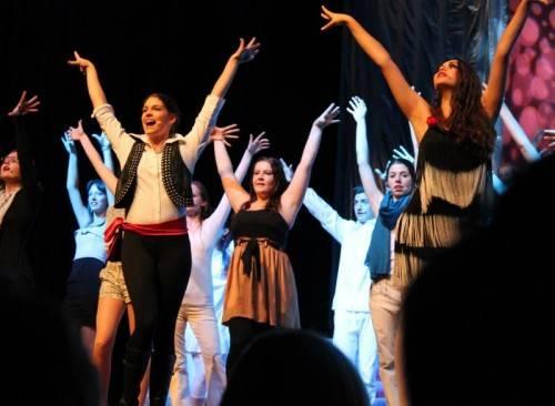 Die West Austrian Musical Company setzt sich in ihrem neuen Stück mit dem Thema Castingshows auseinander. foto: wamco