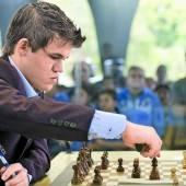 Carlsen feierte ersten Sieg gegen Anand
