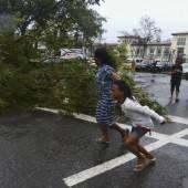 Taifun Haiyan stürzt Philippinen ins Chaos