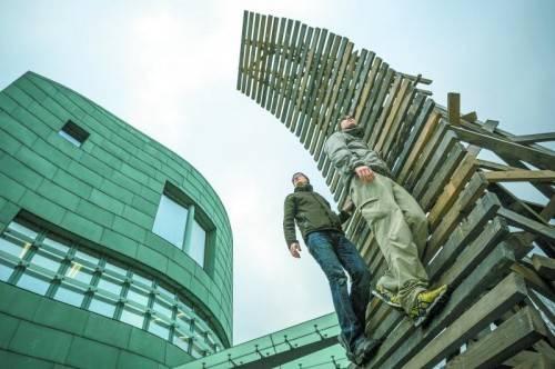 Rampe im Außenbereich der Botschaft von Matthias Bildstein und Philippe Glatz. Fotos: Voit, Bildstein
