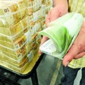 Höhere Einkommensteuer auf Spitzenrenten gefordert