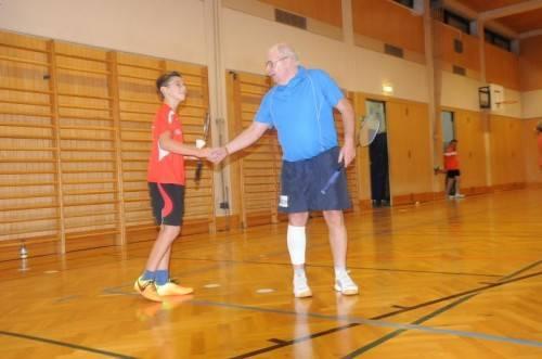 Wilfried Gruber trainiert zwei Mal pro Woche und ist als Trainer für den Nachwuchs im Einsatz. Foto: akp