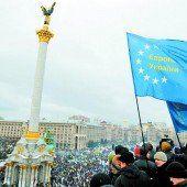 Ukraine: Hunderttausende drängen auf Neuwahlen